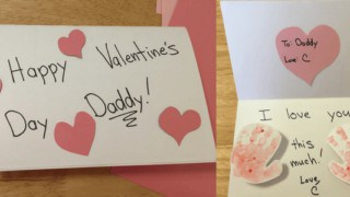 How to help Toddlers make a Valentine's Day handprint card
