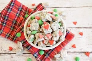Grinch muddy buddies