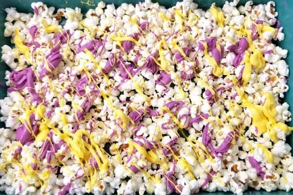 yellow popcorn layer